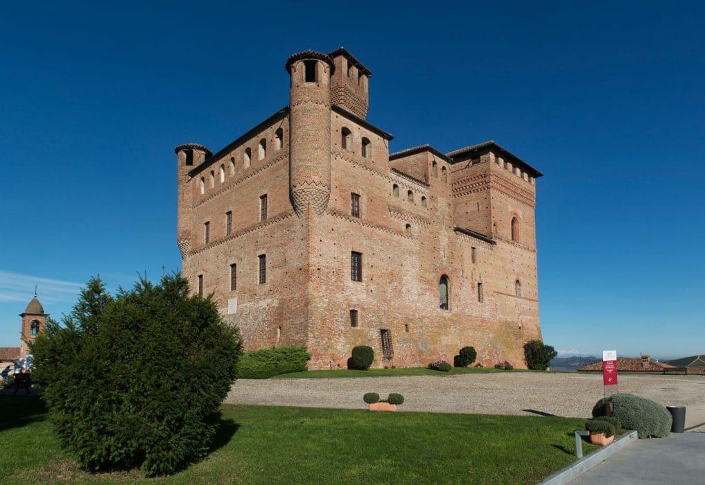 Marcarino Arredamenti - Castello di Grinzane Cavour